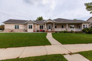 2211 Jasper Place NE, Rochester, MN 55906