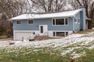 2050 Lenwood Drive SW, Rochester, MN 55902