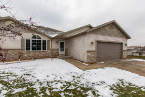 4554 Meadow Lakes Lane NW, Rochester, MN 55901
