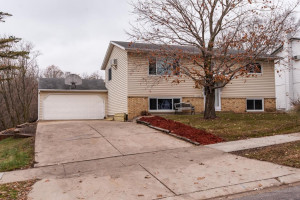 3709 Willow Heights Drive SW, Rochester, MN 55902