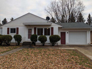 Location location!! Located at the end of main street, this home is only a block from the high school. Hope features an attached one stall garage, concrete driveway, and low maintenance siding.