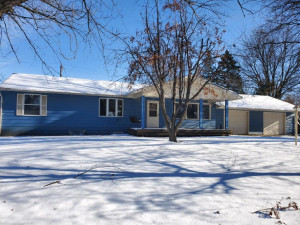 202 3rd Avenue NE, Dodge Center, MN 55927