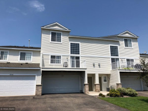Perfect location in the development - 2 bed 2 bath, great entertaining space