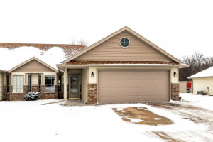 Townhouse-Home for sale 6418 Bandel Hills Ln NW Rochester, MN 55901-Front