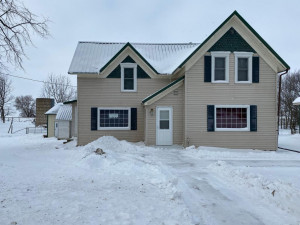 10393 County 113, Mabel, MN 55954