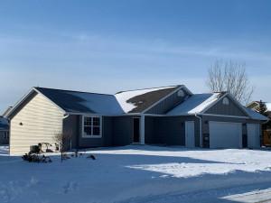 2555 Fox Hollow Lane, Owatonna, MN 55060