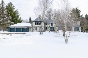 5510 Heather Drive SW, Rochester, MN 55902