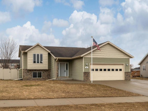 555 5th Ave SE Dover MN 55929-001-001-Front View-MLS_Size