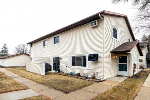 2020 31st Place NW, Rochester, MN 55901