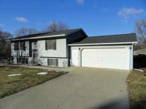 229 E River Lane NE, Rochester, MN 55906
