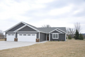 1005 Hidden Court, Lake City, MN 55041