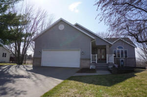 710 2nd Street NW, Plainview, MN 55964