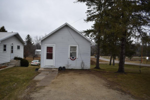 492 Pleasant Street SW, Chatfield, MN 55923