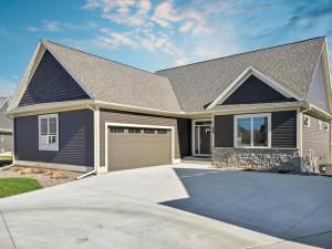 2467 Woodstone Lane SW, Rochester, MN 55902