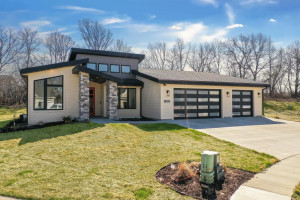 3120 Yellow Rose Lane SW, Rochester, MN 55902