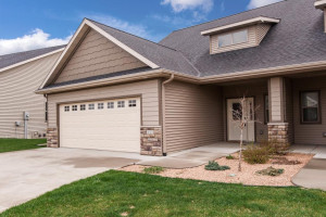 490 22nd Avenue SW, Rochester, MN 55902