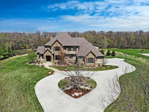 4457 Mayo Woodlands Road SW, Rochester, MN 55902