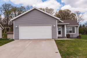 1801 Brownell Street, MN 55972