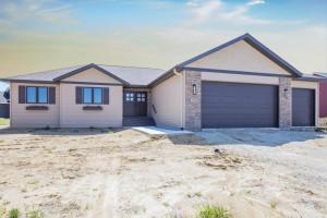 712 Towne Drive NE, Byron, MN 55920