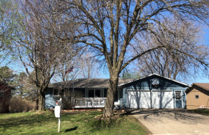 320 9th Street NW, Plainview, MN 55964