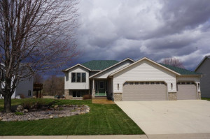 512 Whitewater Way, Elgin, MN 55932