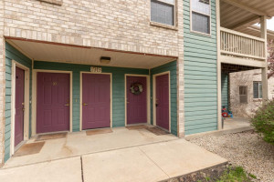 Welcome HOME! Enjoy the convenience, comfort, and low maintenance life of 1919 Deerhaven Lane NE Unit 12.
