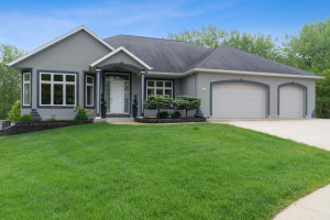4604 Windslow Lane NW, Rochester, MN 55901