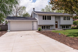15 9th Avenue NW, Kasson, MN 55944