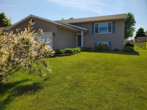 222 10th Avenue NW, Byron, MN 55920