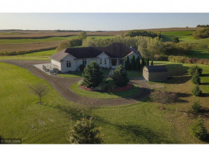 62997 430th Avenue, Mazeppa, MN 55956