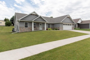 430 12th Street NW, Byron, MN 55920