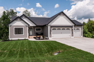 1425 Riverwood Court SW, Oronoco, MN 55960