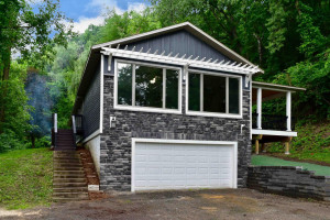 33128 Hunters Lane, Winona, MN 55987