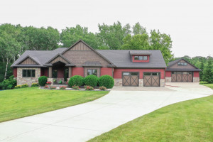 3054 Custer Lane SE, Rochester, MN 55904