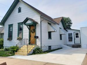 363 W Sarnia Street, Winona, MN 55987