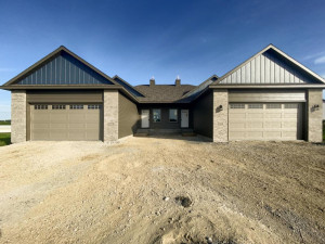884 Picadilly Lane NW, Rochester, MN 55901