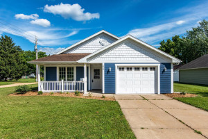 623 W Madison Street, Lake City, MN 55041