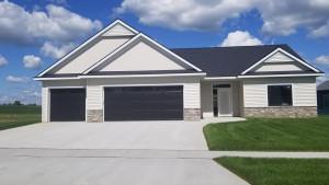 1117 Petersen Court NW, Stewartville, MN 55976