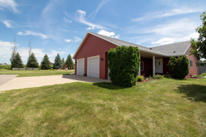 2002 13th Avenue NE, Kasson, MN 55944