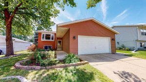 4144 Valley Drive NW, Rochester, MN 55901