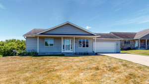 1326 Lone Stone Court SE, Chatfield, MN 55923