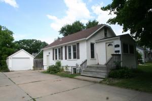927 12th Avenue NE, Rochester, MN 55906