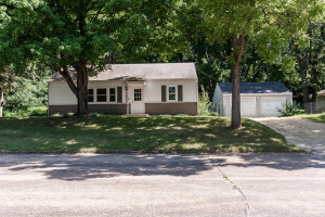 1808 Hillview Lane SE, Rochester, MN 55904