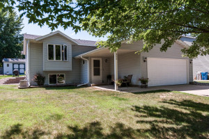 902 8th Street NW, Kasson, MN 55944
