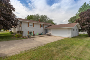 208 Concord Street, West Concord, MN 55985