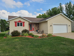 515 6th Street, West Concord, MN 55985