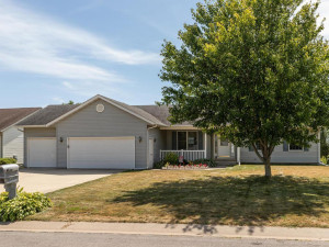 325 5th Avenue SE, Plainview, MN 55964