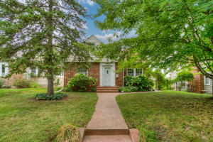 Welcome Home! Picture your guests walking up your walkway to this lovely brick fronted home...