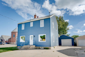 Welcome to 220 Meeker Ave S! Recently update 2 story, 4-bedrooms and 2-bathrooms is a great new place for you to call home! Our kitchen is well-updated with new cabinets, countertops, island, flooring and more! Plus the main floor laundry!