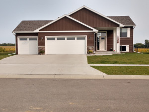 1305 12th Street NW, Kasson, MN 55944